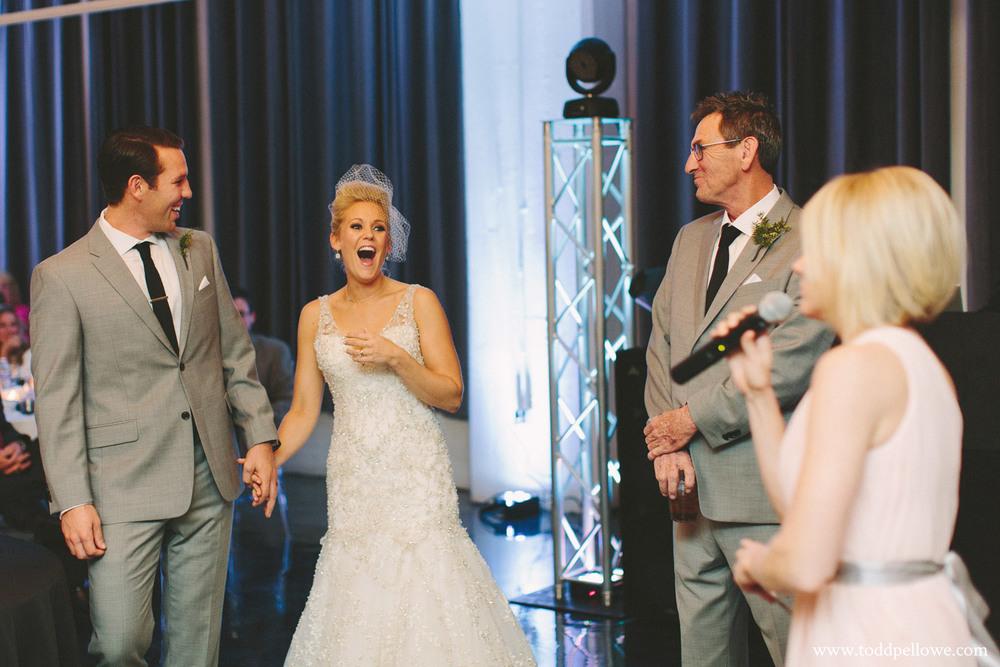 28-glassworks-wedding-photography-570.jpg