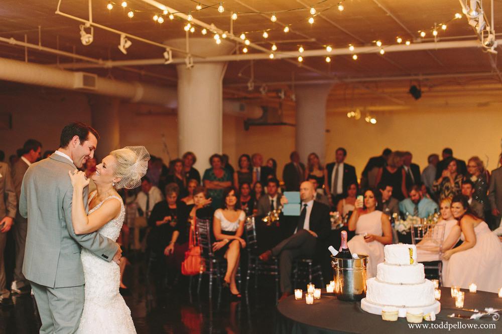 30-glassworks-wedding-photography-585.jpg