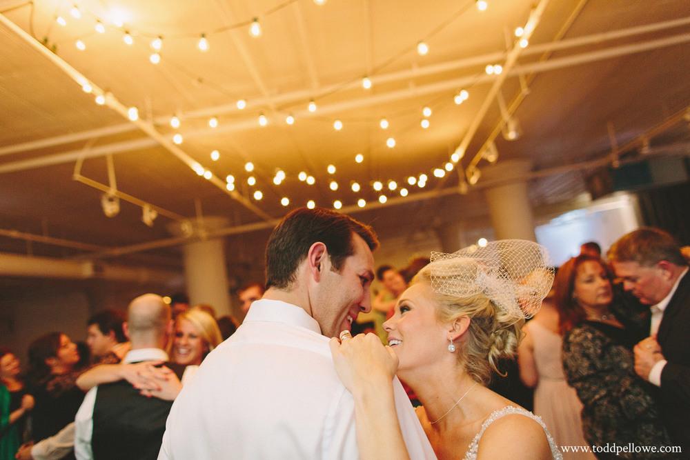 34-glassworks-wedding-photography-723.jpg