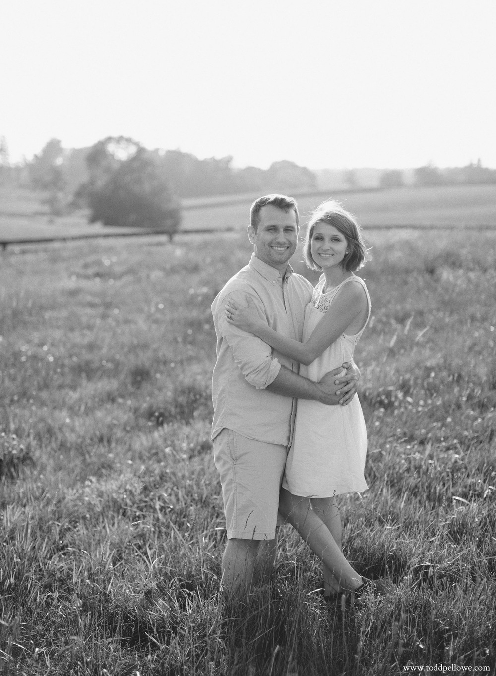 05-horse-farm-engagement-photography-110.jpg