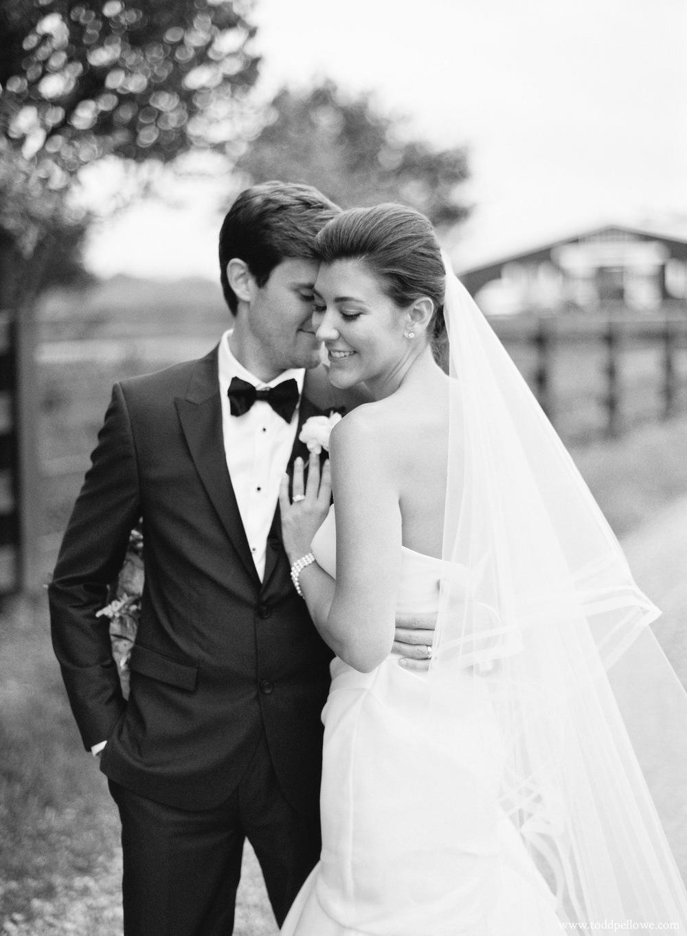 32-kentucky-farm-wedding-photography-004.jpg