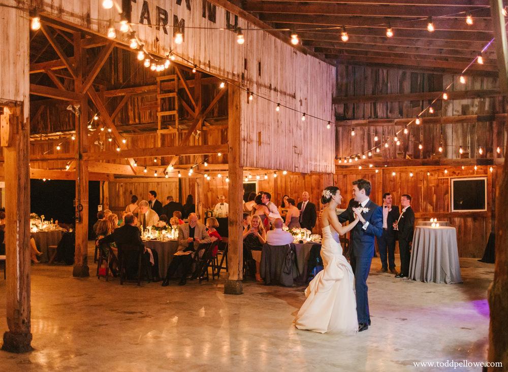 53-kentucky-farm-wedding-photography-696.jpg