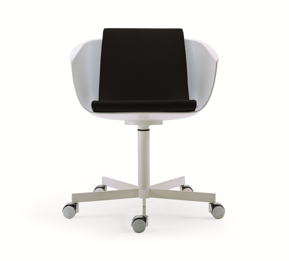 Poliform's Classic Strip Chair