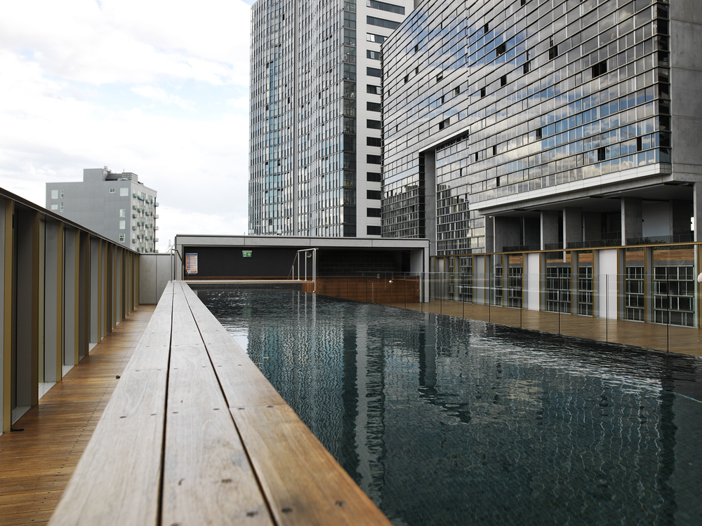 ROOFTOP POOL AND BAR 2.jpg
