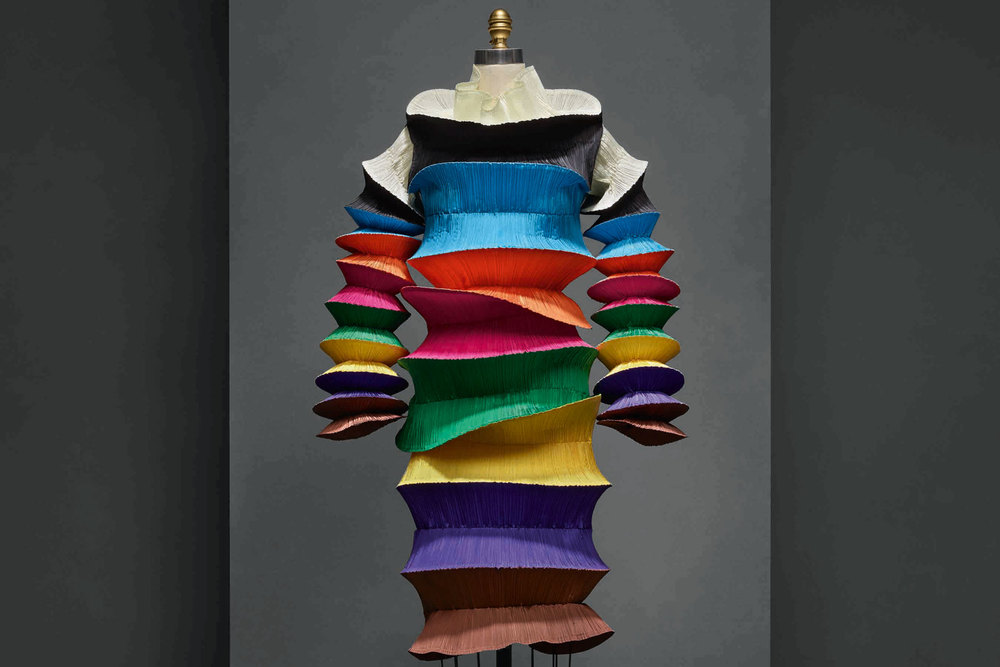 """Flying Saucer"" dress by Issey Miyake (1994). (Photo: Courtesy The Metropolitan Museum of Art)"