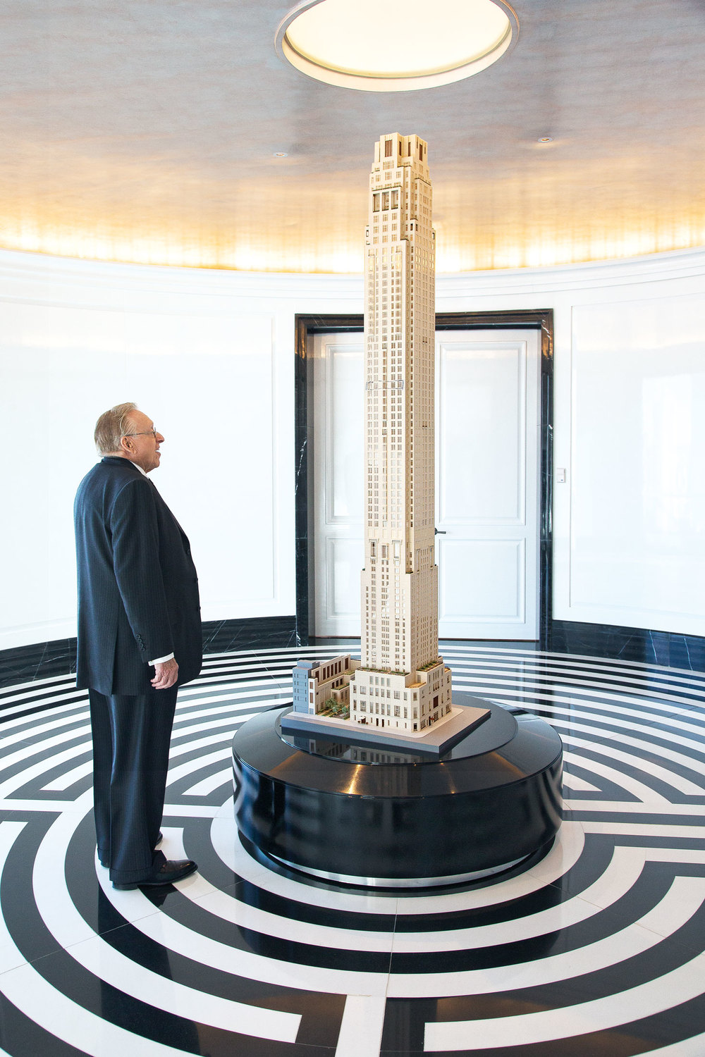Silverstein with a model of 30 Park Place. (Photo: Ogata/Surface)
