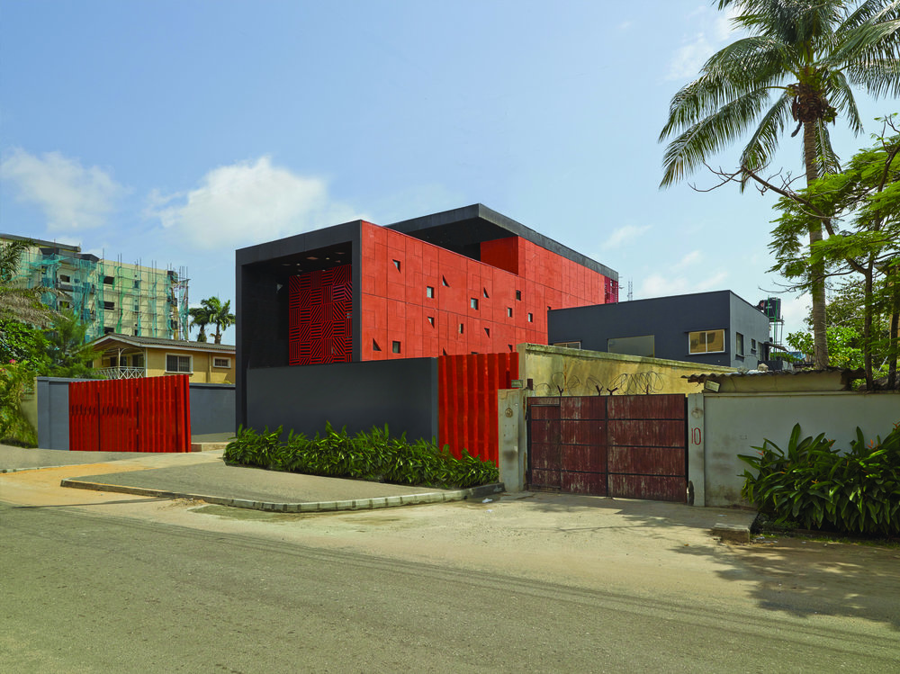 The Adjaye-designed concept shop Alara in Lagos, Nigeria. (Photo: Hans Wilshut)