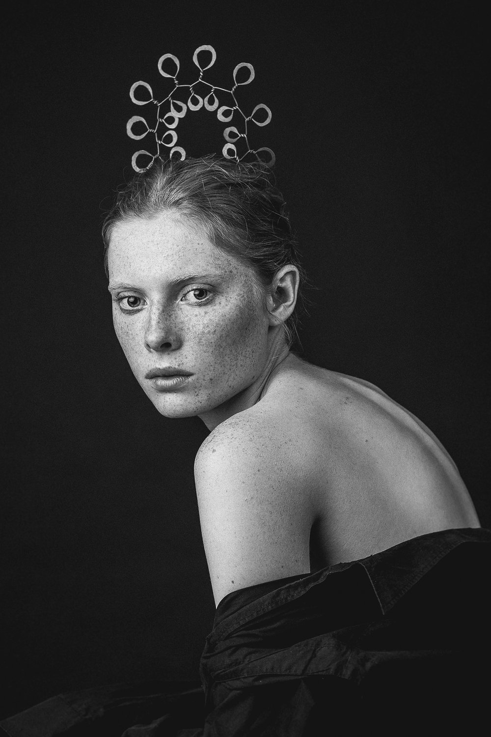 A model wearing Flower in 2016. (Photo: Alexander English/Courtesy Alexander English, Louisa Guinness Gallery and the Calder Foundation)