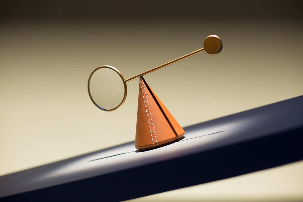 A magnifying glass in bull calf from the Equilibre d'Hermès collection.