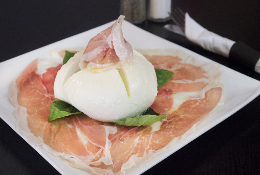 food_antipasta_prosciutto_e_bufala.jpg