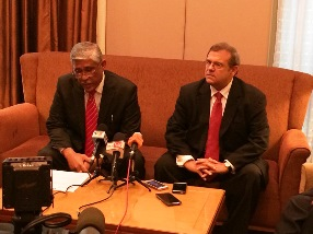 MACC Chief Commissioner Tan Sri Abu Kassim Mohamed and ACFE Faculty Member Allen Brown.