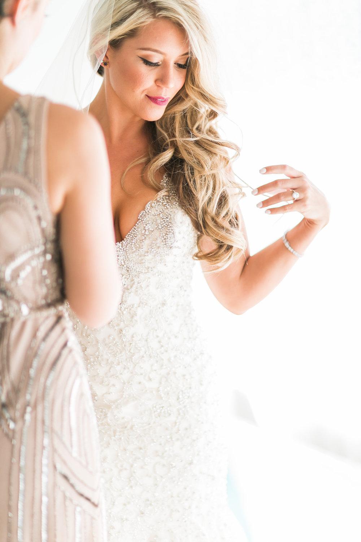 Dana Holly-Getting Ready-0079.jpg