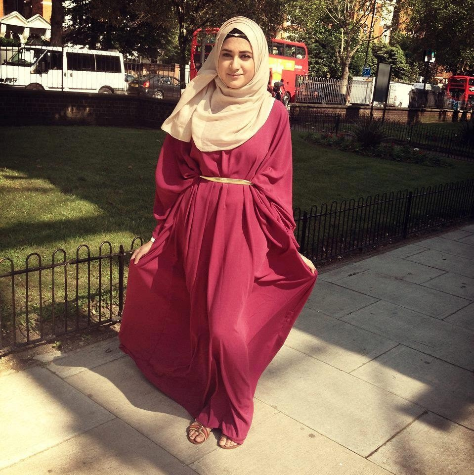 4bc692fad880a Malaysia, budding with new Islamic fashion trends, is the hotspot for all  new hijab trends. Malaysian hijab often consists of light or brightly  colored ...