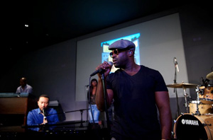 Columbia Recording artist John Legend and The Roots hit the iTunes stage playing songs from their new Wake Up album.