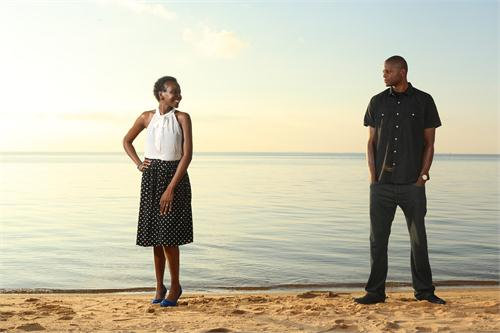 engagement phote - beach.jpg