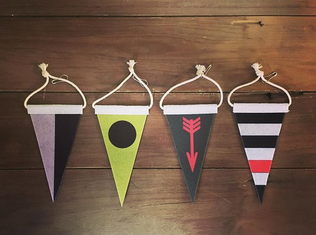 It's all in the detail. We have been quiet lately, working on an amazing range of new products and cleaning up loose ends in preparation for our first vertical store coming December. These felt hang tags represent the 4 key characteristics of our fins and ideal lifestyle, from left to right; balance, stability, drive & flexibility. Find them on any of the new #saltymerchants goods👌👌