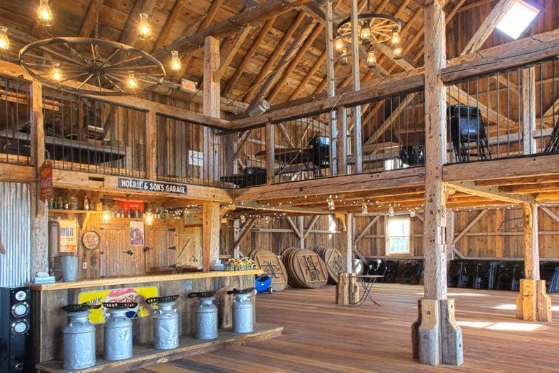 barn-weddings-quebec-grange-manson-barn.jpg