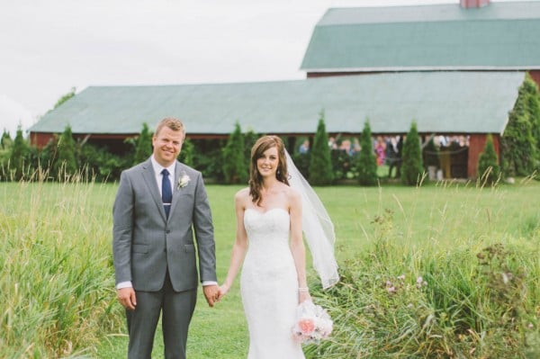 Sweet-Rustic-Wedding-Fields-West-Lake-Nikki-Mills-18-of-32-600x399.jpg