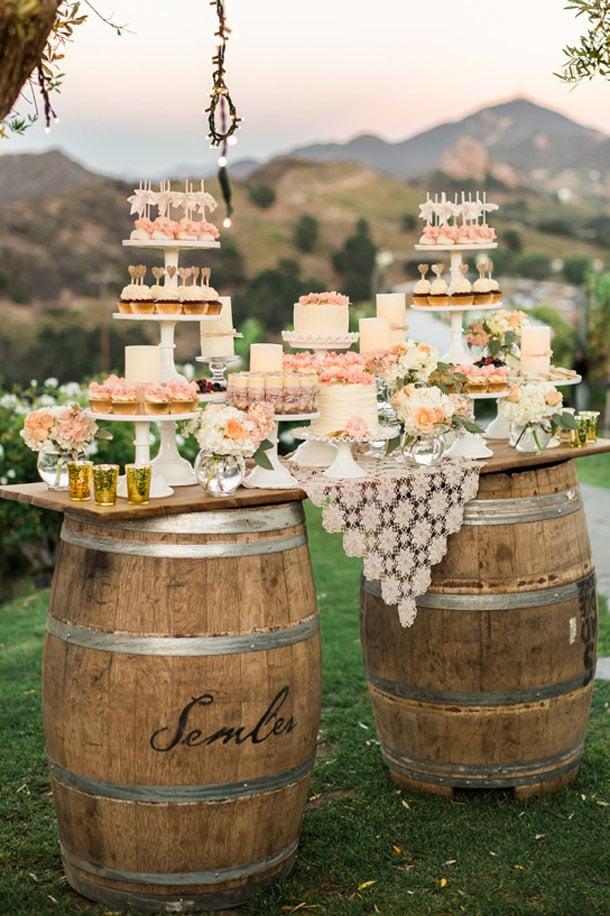 006-wine-barrel-wedding-decor-southboundbride.jpg