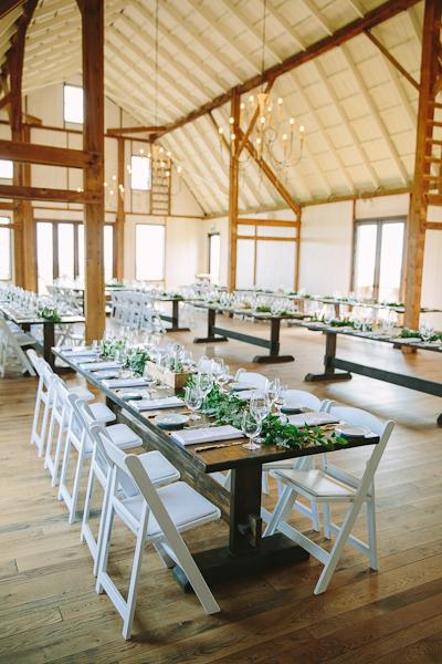 earth-to-table-barn-hamilton-wedding-092.jpg