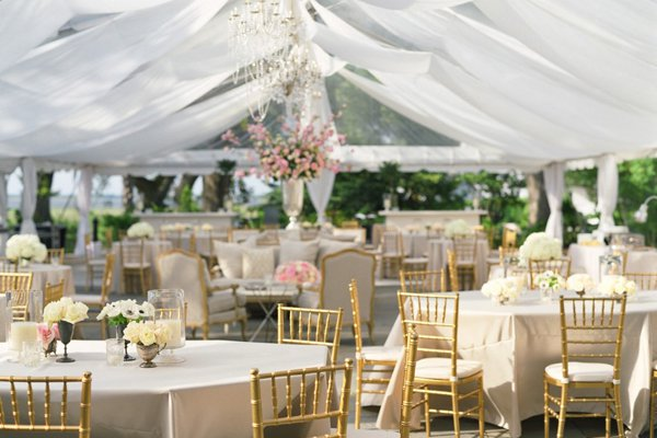 Tent-Wedding-Decor-03-kristin-newman-designs.jpg