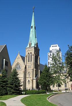 250px-St._Basil's_Church.JPG