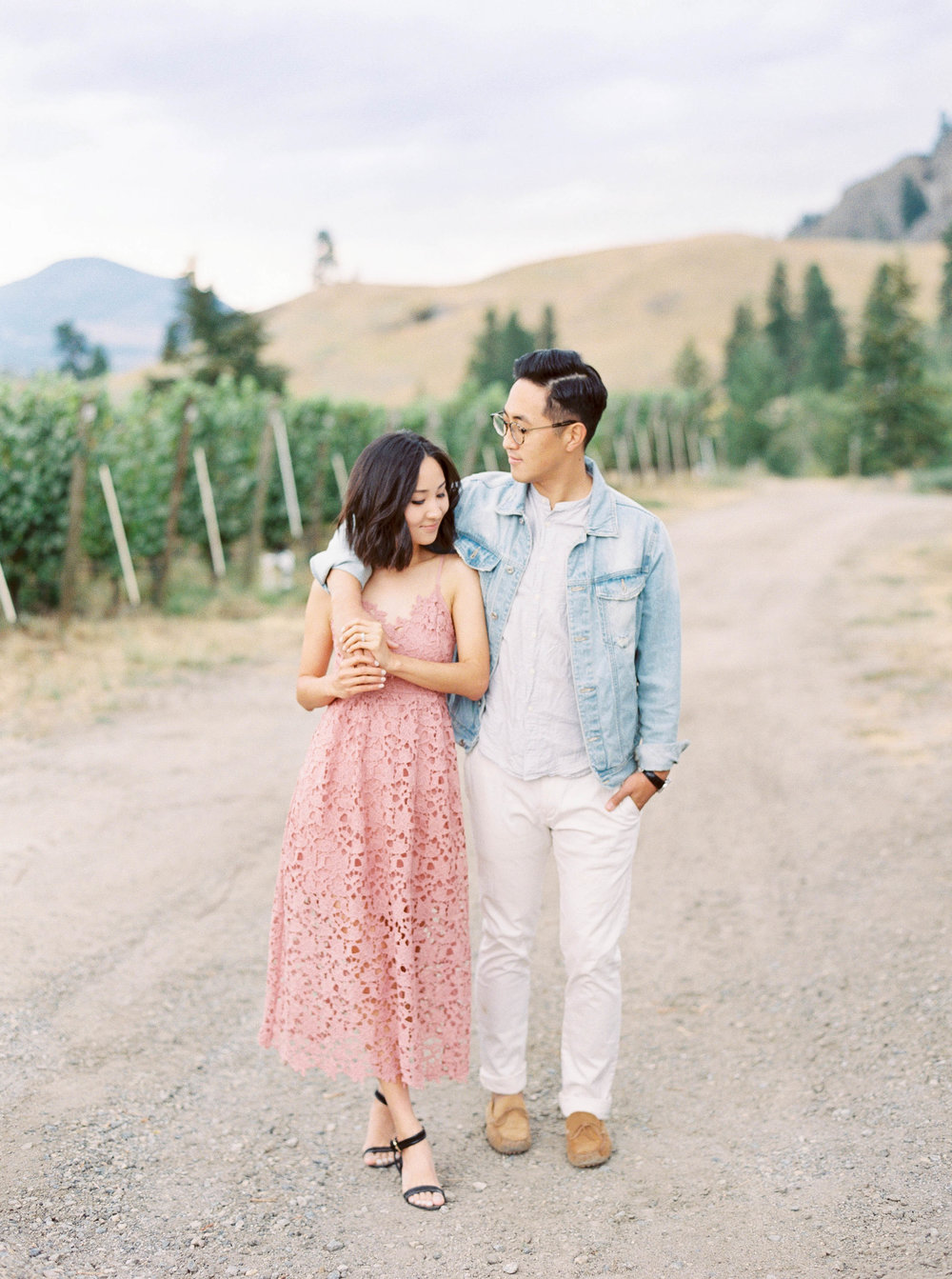 painted-rock-okanagan-wedding-photographer-soft-airy-bc-alberta-janice-jace-1.jpg