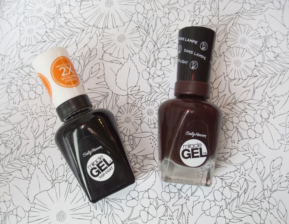Sally Hansen Miracle Gel Top Coat & Wine Stock