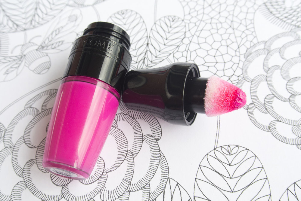 Close-up of Yummy Pink and the 'nubbin' applicator!