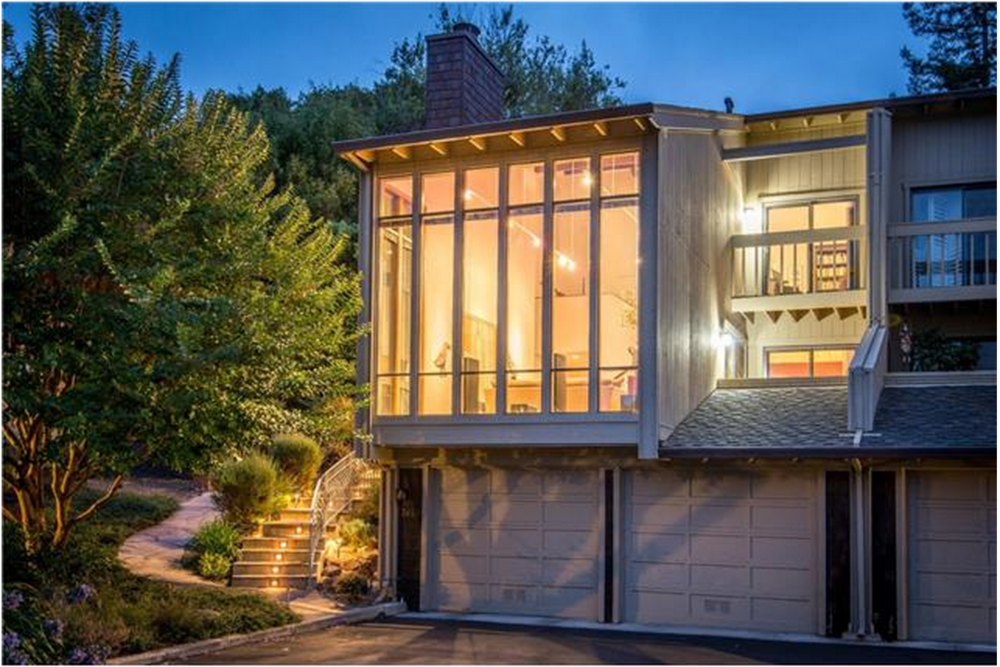 3649 Jefferson Ave. // 2bd/2ba // $1,350,000