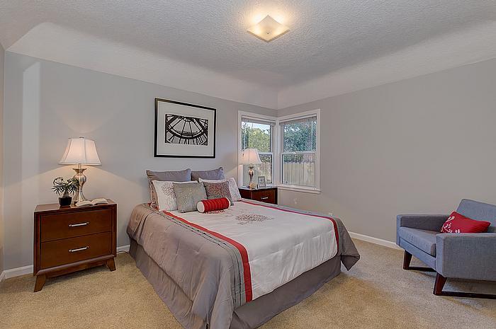 bedroom2_700.jpg