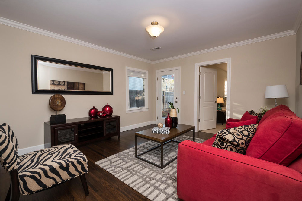 460 King St Redwood City CA-large-015-20-Family Room-1500x1000-72dpi.jpg