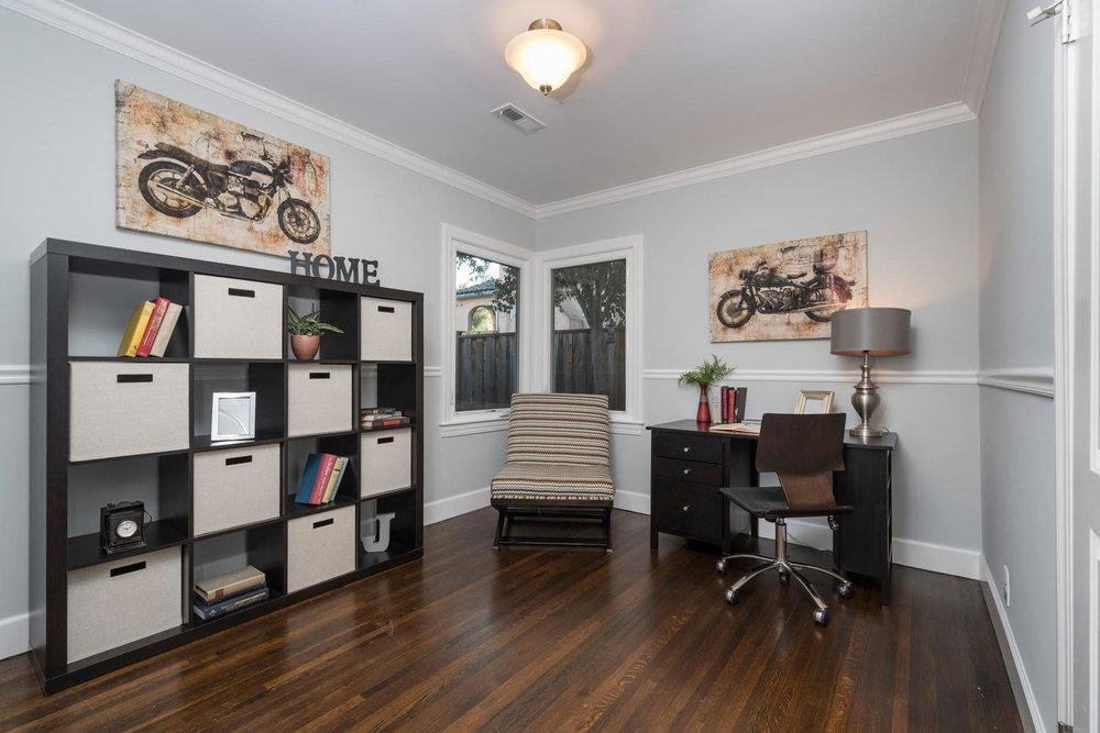 460 King St Redwood City CA-large-019-13-Office or bedroom-1500x1000-72dpi.jpg