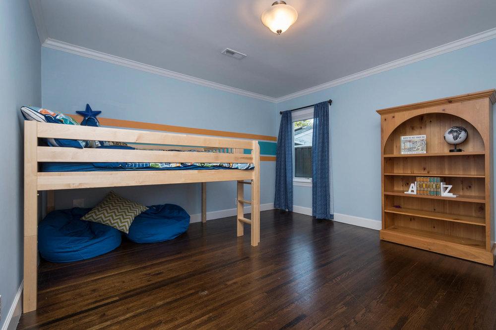 460 King St Redwood City CA-large-020-15-Bedroom-1500x1000-72dpi.jpg