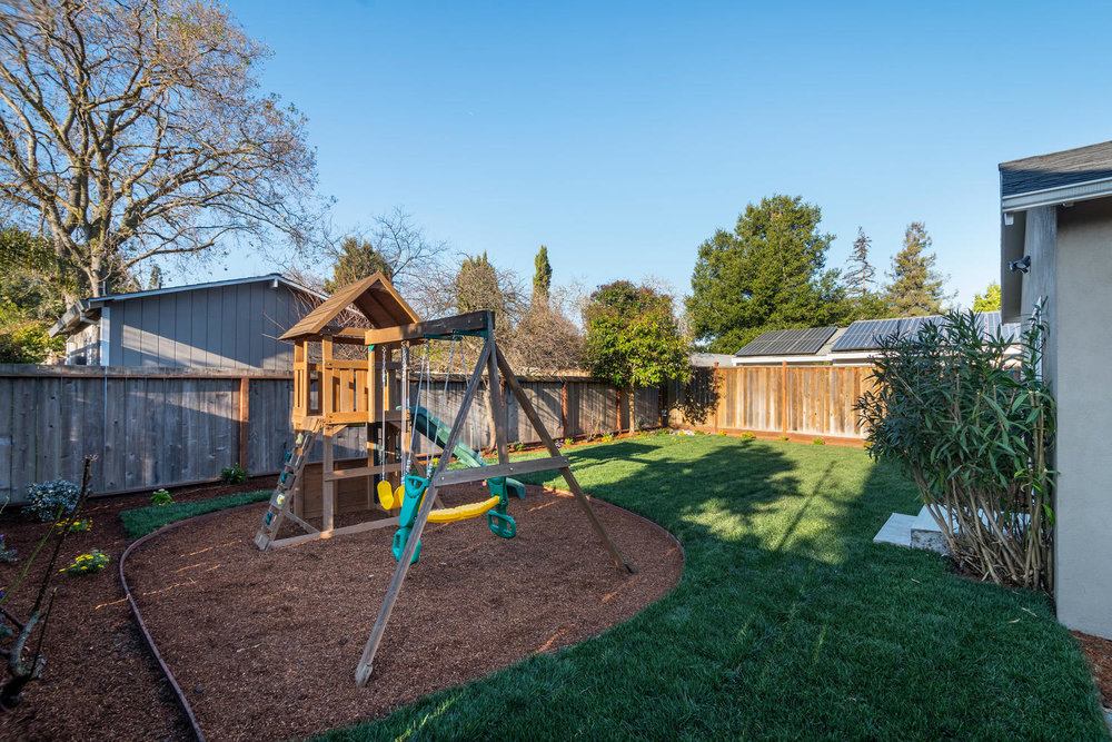 460 King St Redwood City CA-large-025-16-Back Yard-1500x1000-72dpi.jpg