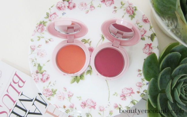SABStance High Intensity Blush in Patience (left) and Wisdom (right), P899 each. Available at www.snoebeauty.com and Snoe outlets and counters.