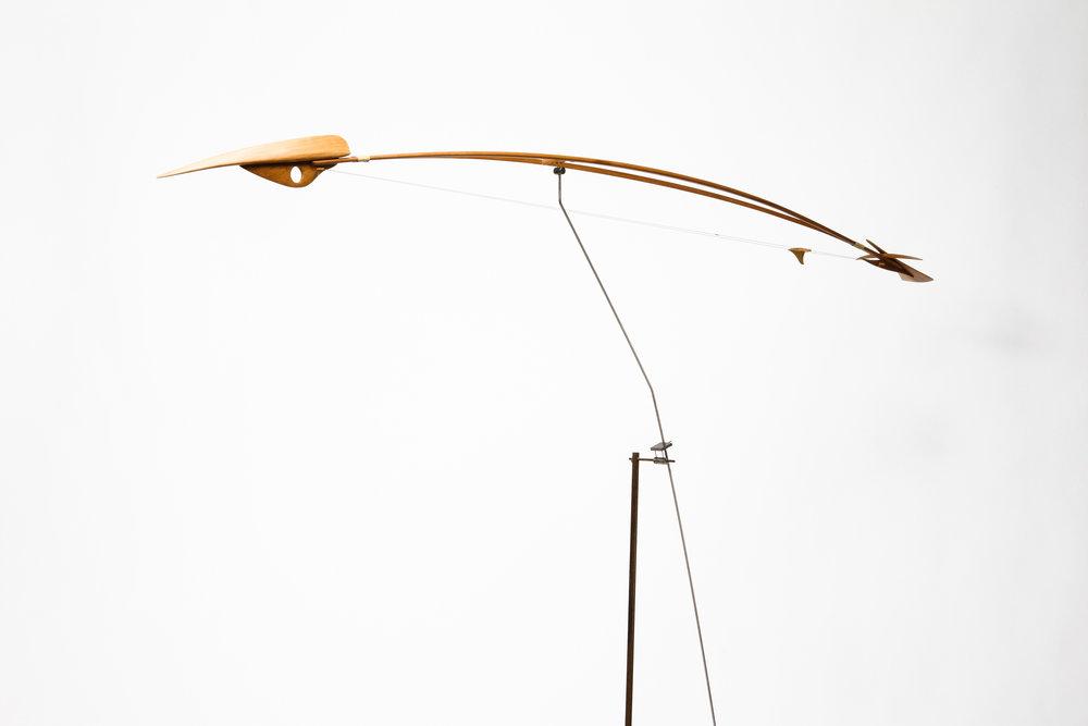 Escultura estática de madera de cedro, creada por Antoni Yranzo en el año 2007 en su estudio-taller de Barcelona
