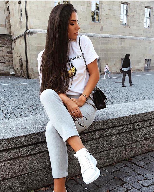 Throw back to @rominaluciia looking killer in her D&B tee 🔥🔥🔥 #lifestylemerchants #dolceandbananas #vibes #model #fashion #blogger #ootd #sydney #bondi  www.lifestylemerchants.com
