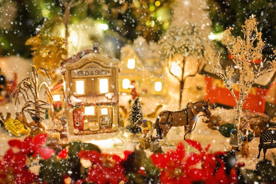 christmas-village-1088143_960_720.jpg
