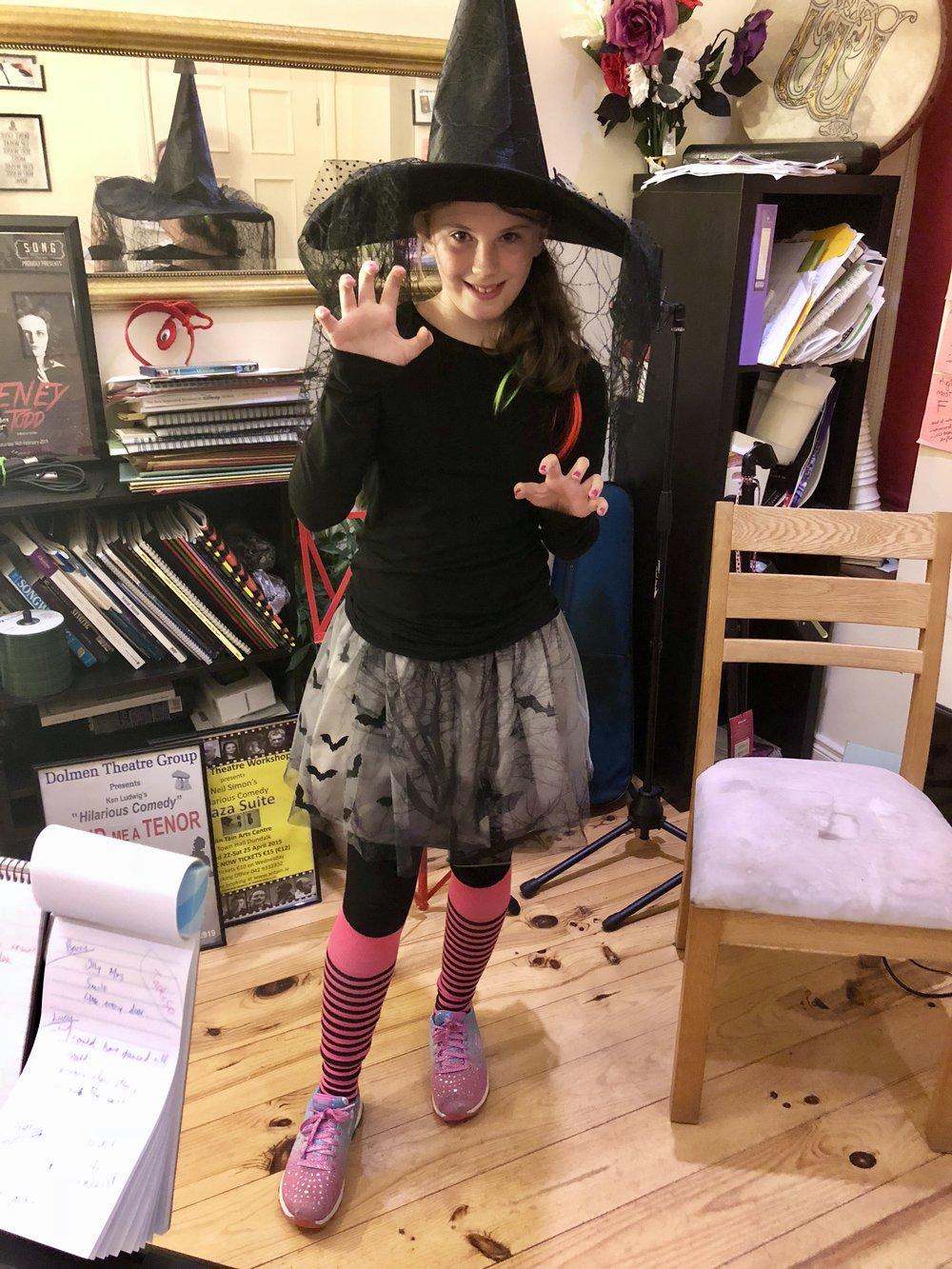 Aislinn Gaughran doing her witchy sounds!!