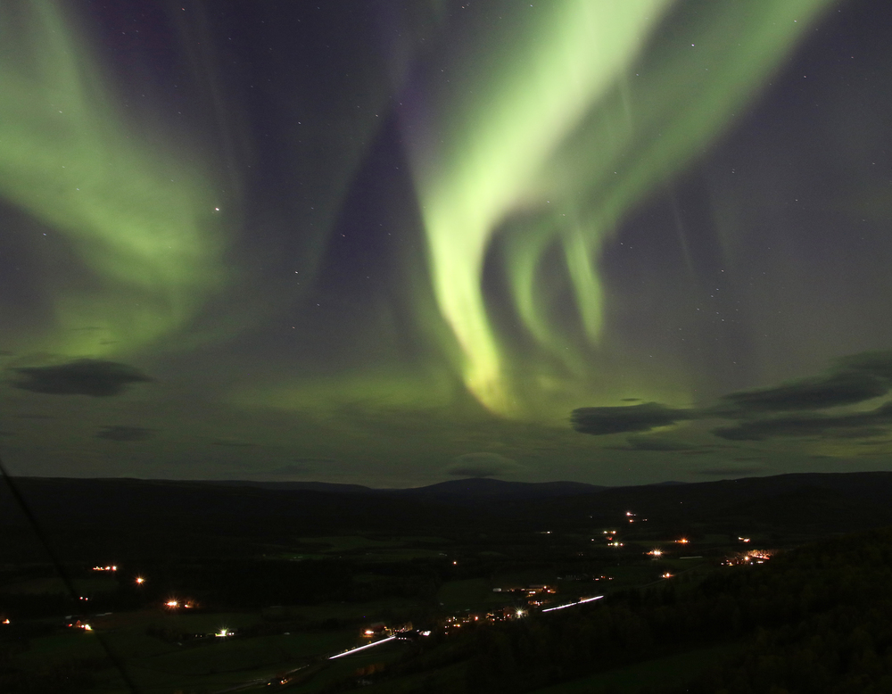 Onsdag kveld flommet nordlyset over nattehimmelen. Forholdene var optimale i Midt-Norge, som her i Dalsbygda (Forollhogna). Foto: A. Nyaas
