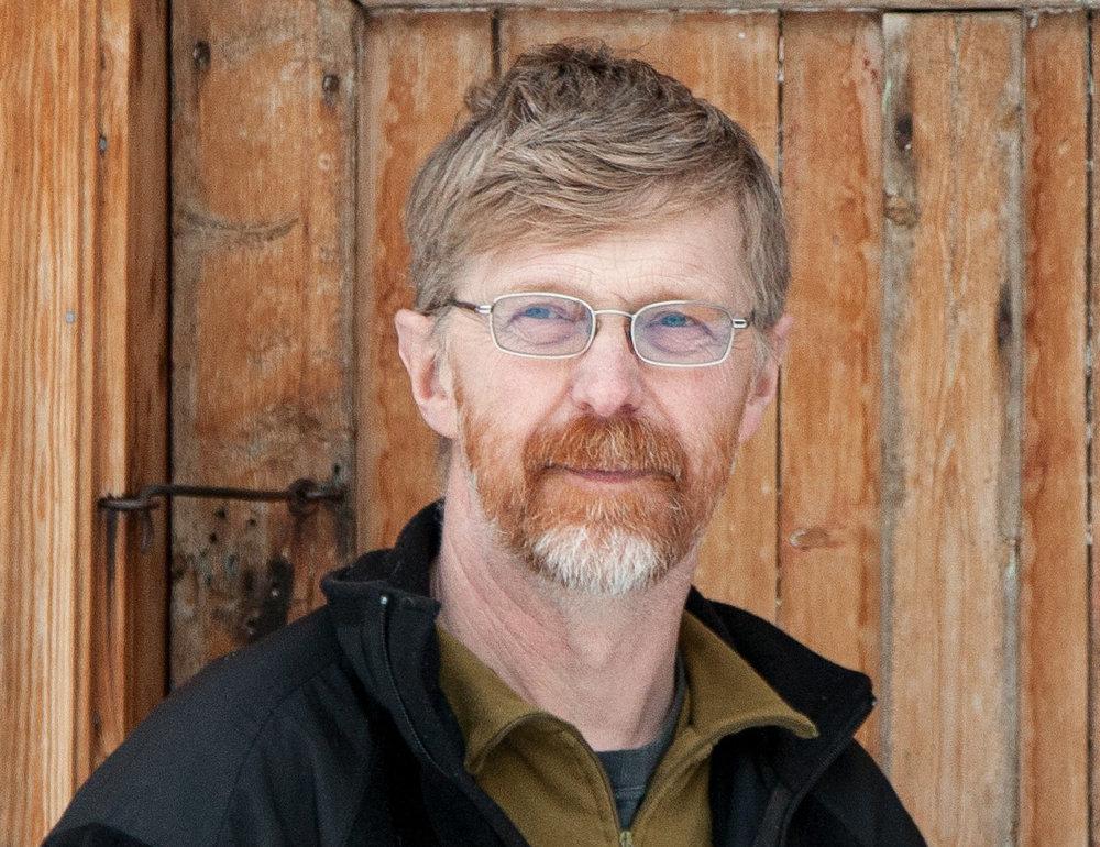 Lars Nesse er leiar av villreinnemnda for Nordfjella og Fjellheimen. Han meiner at om ikkje dei lokalt hadde stått så hardt på i høve til skrantesjukeproblematikken, hadde ein ikkje vore der ein er no. Foto: Kjell Bitustøyl