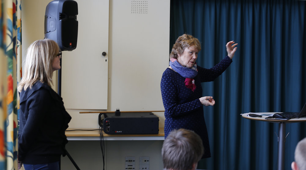Ellen Korvald til høyre i bildet er prosjektansvarlig fra Buskerud fylkeskommune, mens Torill Olsson fra MIMIR er prosjektleder. Illustrasjonsfoto: Anders Mossing