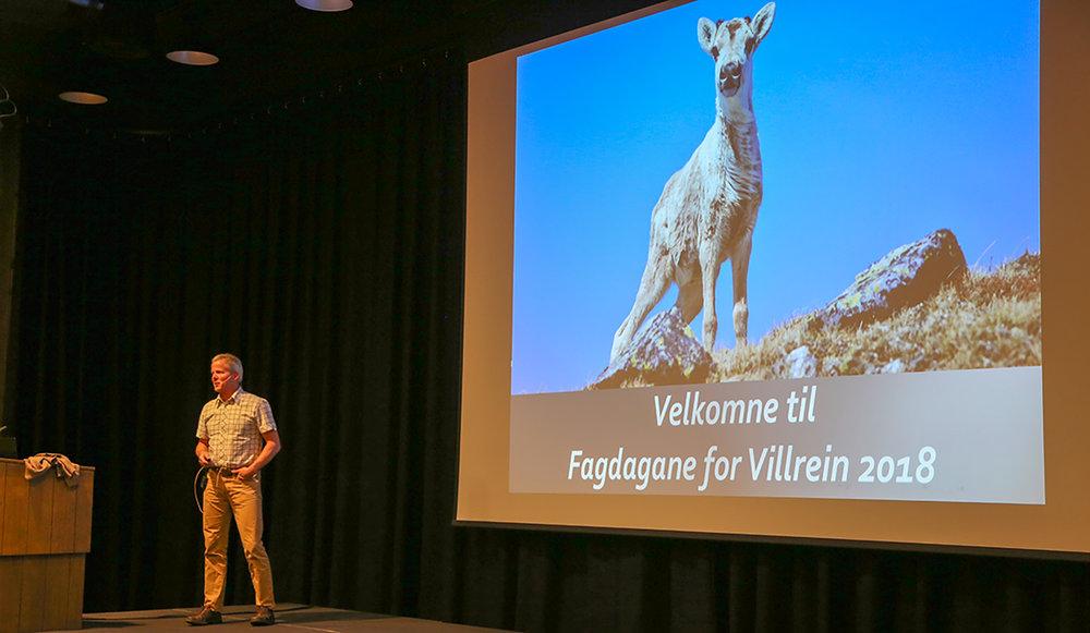 Endre Lægreid, leder av villreinnemnda for Hardangervidda, ønsket velkommen til fagdagene på Geilo.
