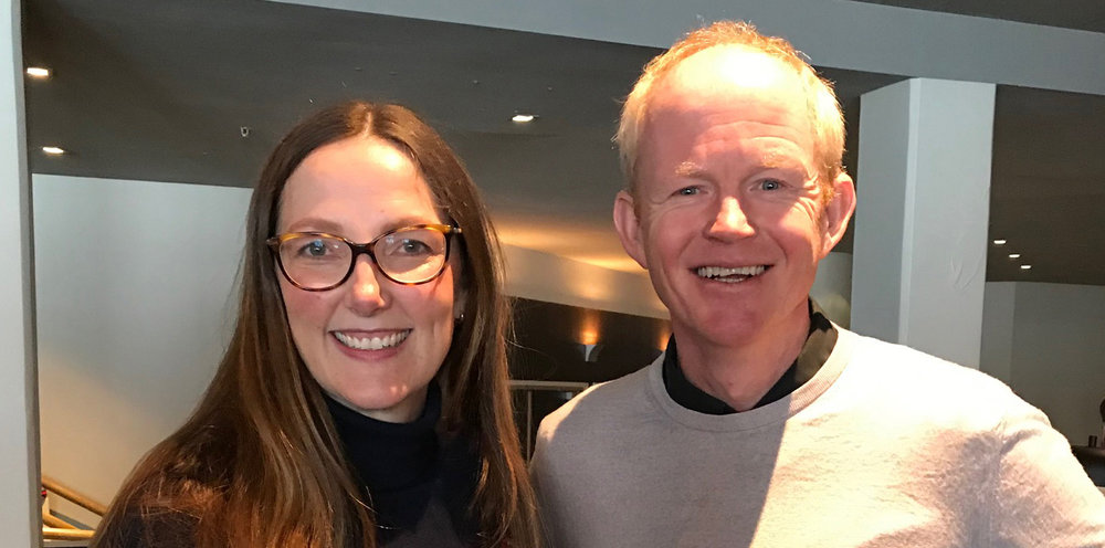 Daglig leder ved Norsk villreinsenter Sør, Marianne Singsaas i møte med Lars Haltbrekken (SV). Foto: Norsk villreinsenter