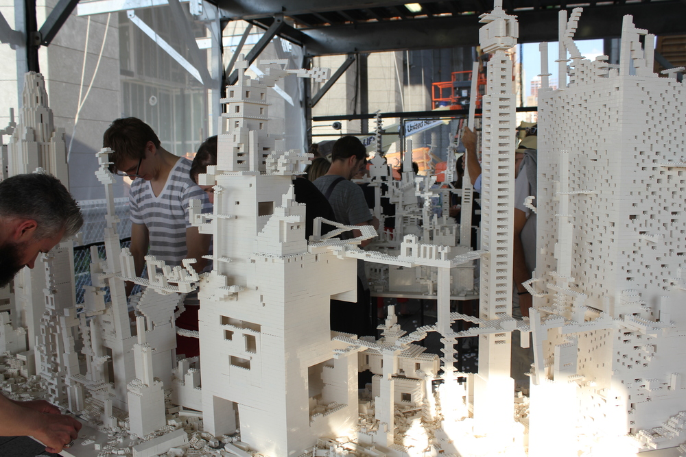 White lego play on the Highline.