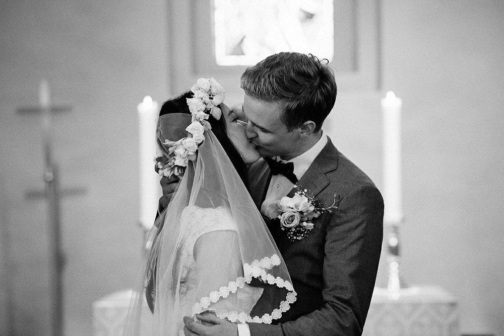 First kiss wedding ceremony Trondheim