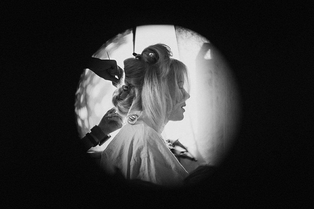 Bride getting ready Osterlen