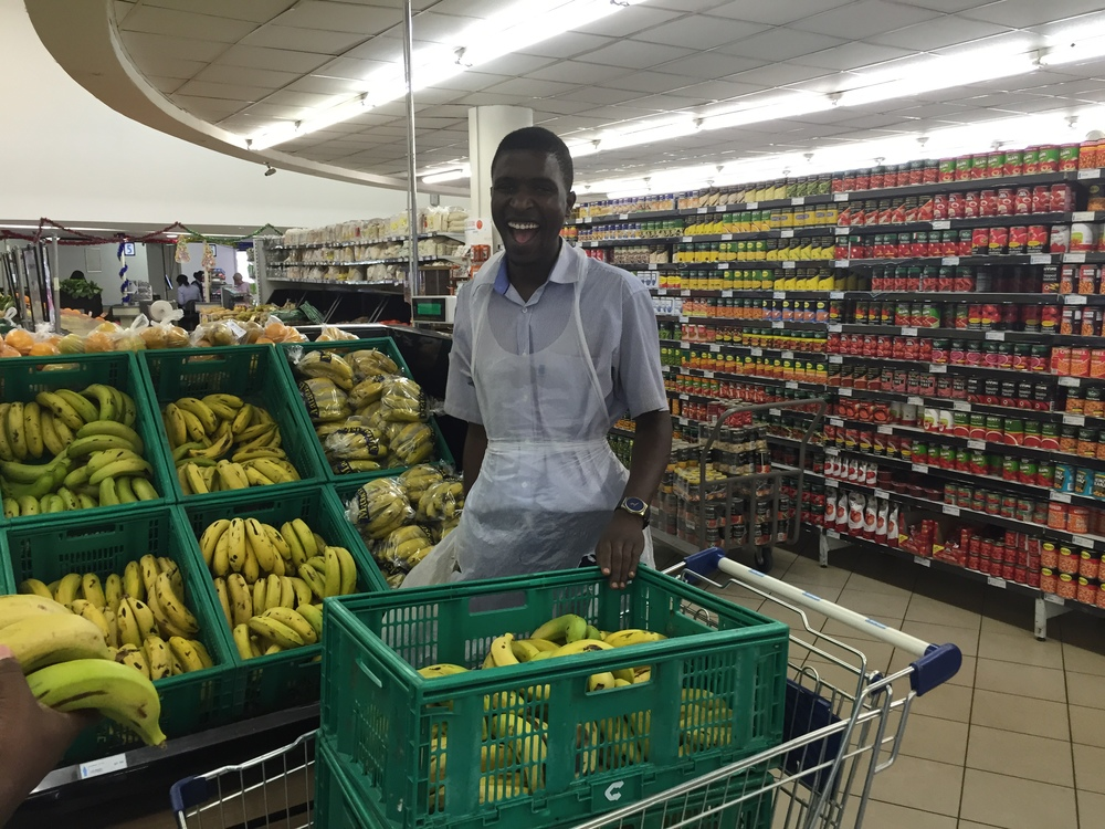 Thanks to our friends at Meikles Mega Market, 500 bananas, sweet rolls, and meat pies (a real treat in Zimbabwe) were donated for breakfast and lunch.