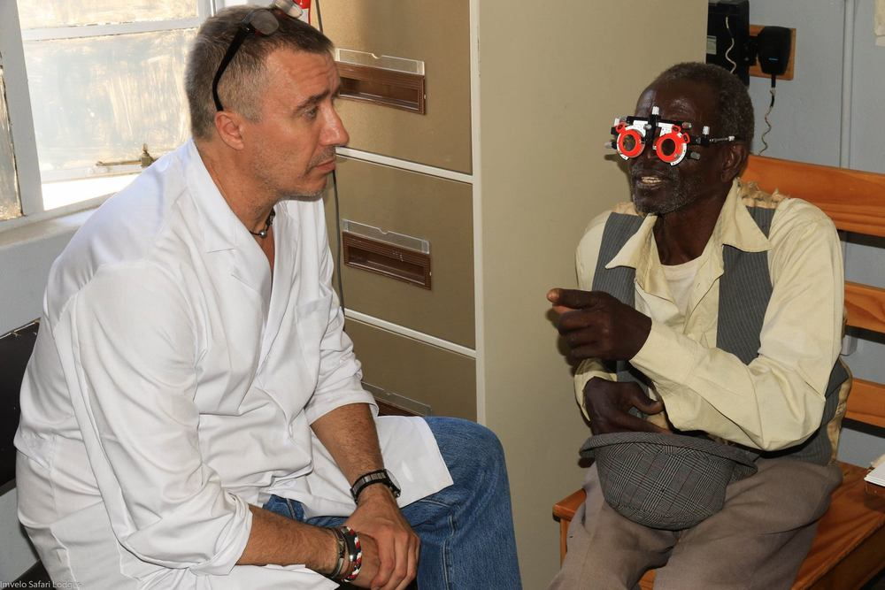 Pablo, an ophthalmologist and newest member of our team, treating a patient.